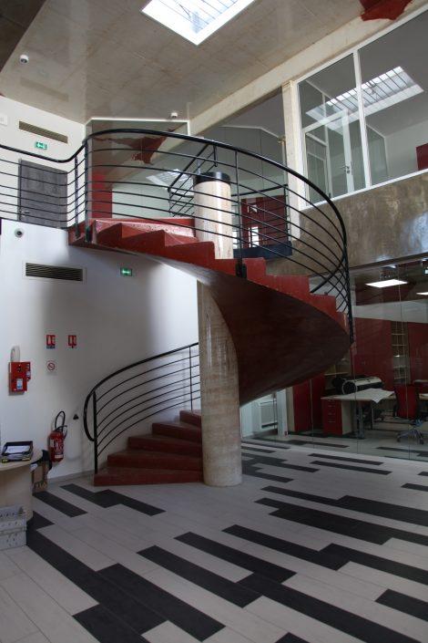 Cobat Constructions escalier beton rouge